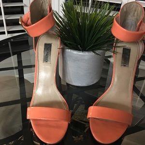 Sassy Steve Madden peach coral stilettos Size 10
